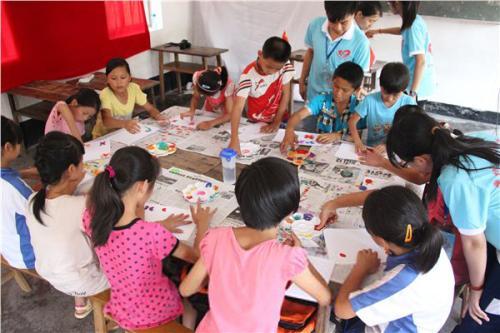 嘉鱼县官桥社区希望家园开班  33名学生免费享受暑假教育