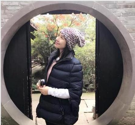 她美貌不输关之琳演技比刘嘉玲好,婚后息影不复出