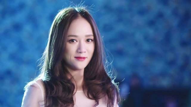 41歲陳(chen)喬恩(en)玩泡泡機童心大發,能當(dang)一輩子you)倥 娜耍 臼shi)麼是(shi)她