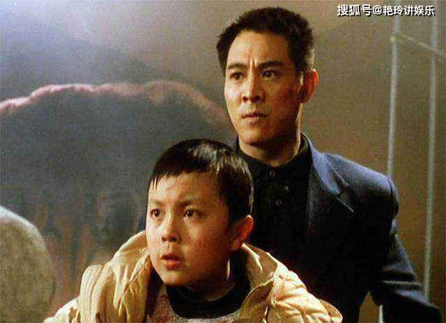 当年的功夫童星谢苗,现已为人之父,娇妻更是美丽贤惠!